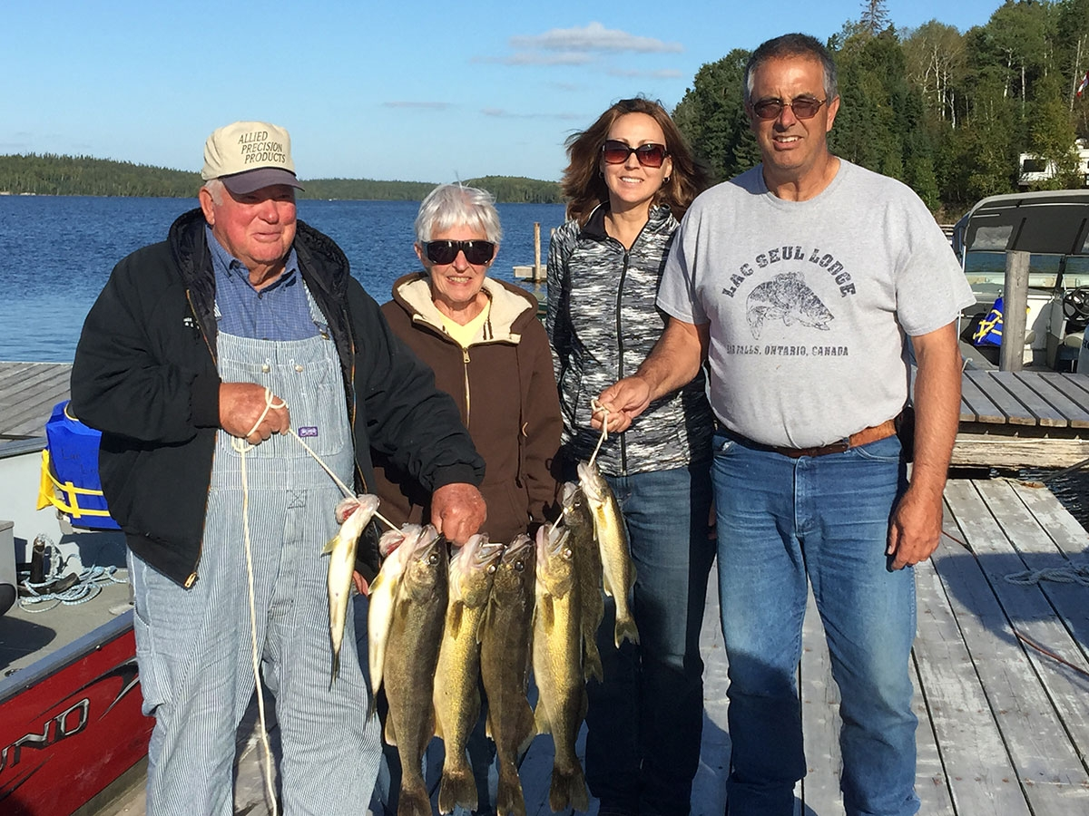 Ontario fishing guide services walleye northern for Lac seul fishing